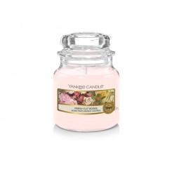 Yankee Candle Fresh Cut Roses vonná svíčka malá 104 g